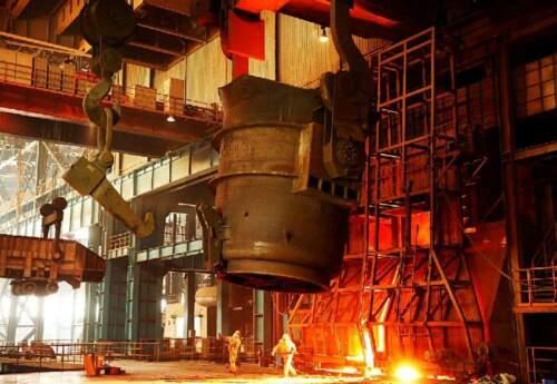 معاون بهره برداری ذوب آهن اصفهان مطرح کرد/ ضرر ذوبآهن از کم آبی و قطعی برق