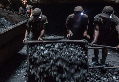 ۱۰ کشته در اثر ریزش معدن زغالسنگ در هند