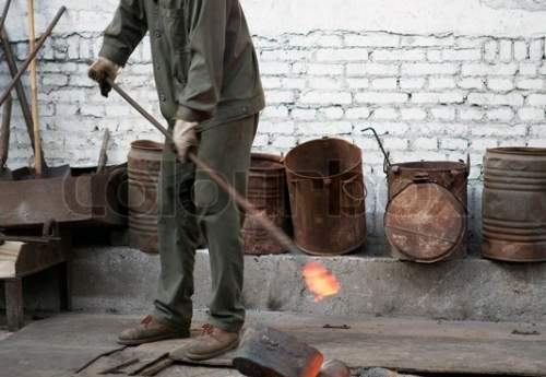 روند افزایشی تولید فولاد خام در چین/ تولید چدن و محصولات فولادی منفی بودند