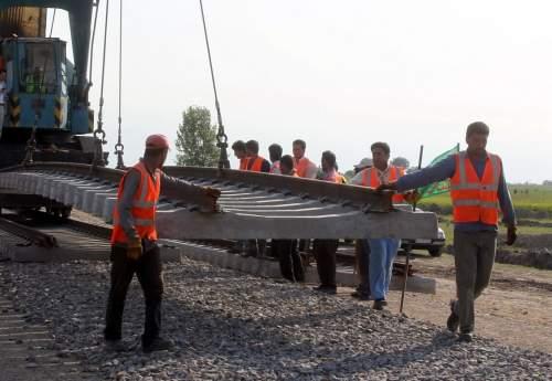توافق فولادی ها و راه آهن به منظور حمل بار کارخانه/ راه آهن جنوب آمادگی خود را اعلام کرد