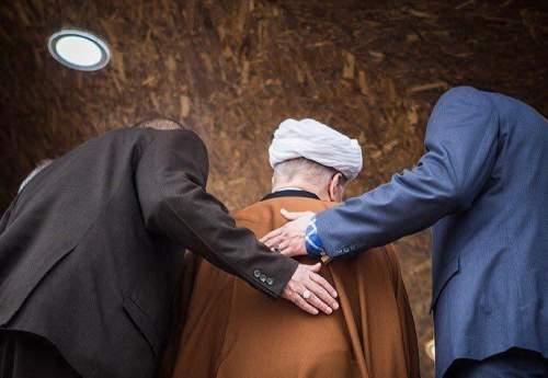 حاشیه های همایش سنگ آهن با اعلام خبر فوت آیت الله هاشمی رفسنجانی